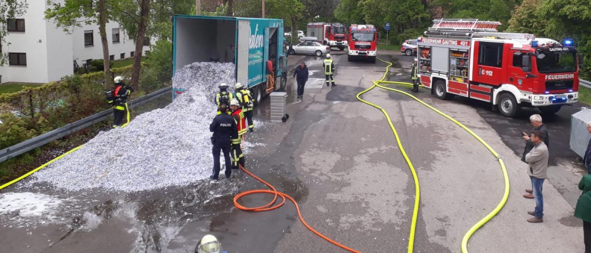 Permalink zu:MTA-Lehrgang löscht brennenden LKW